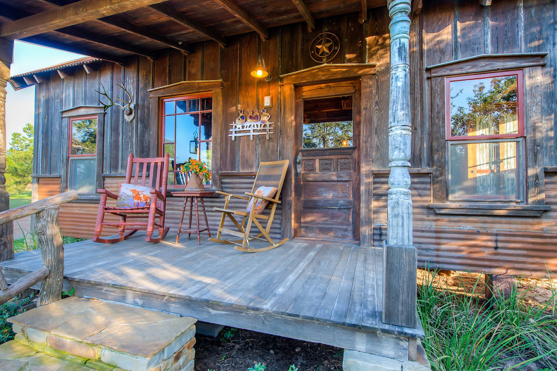 Etonnant Published February 29, 2016 At 1920 × 1280 In The Cowboy Cabin | Tiny Texas  Houses