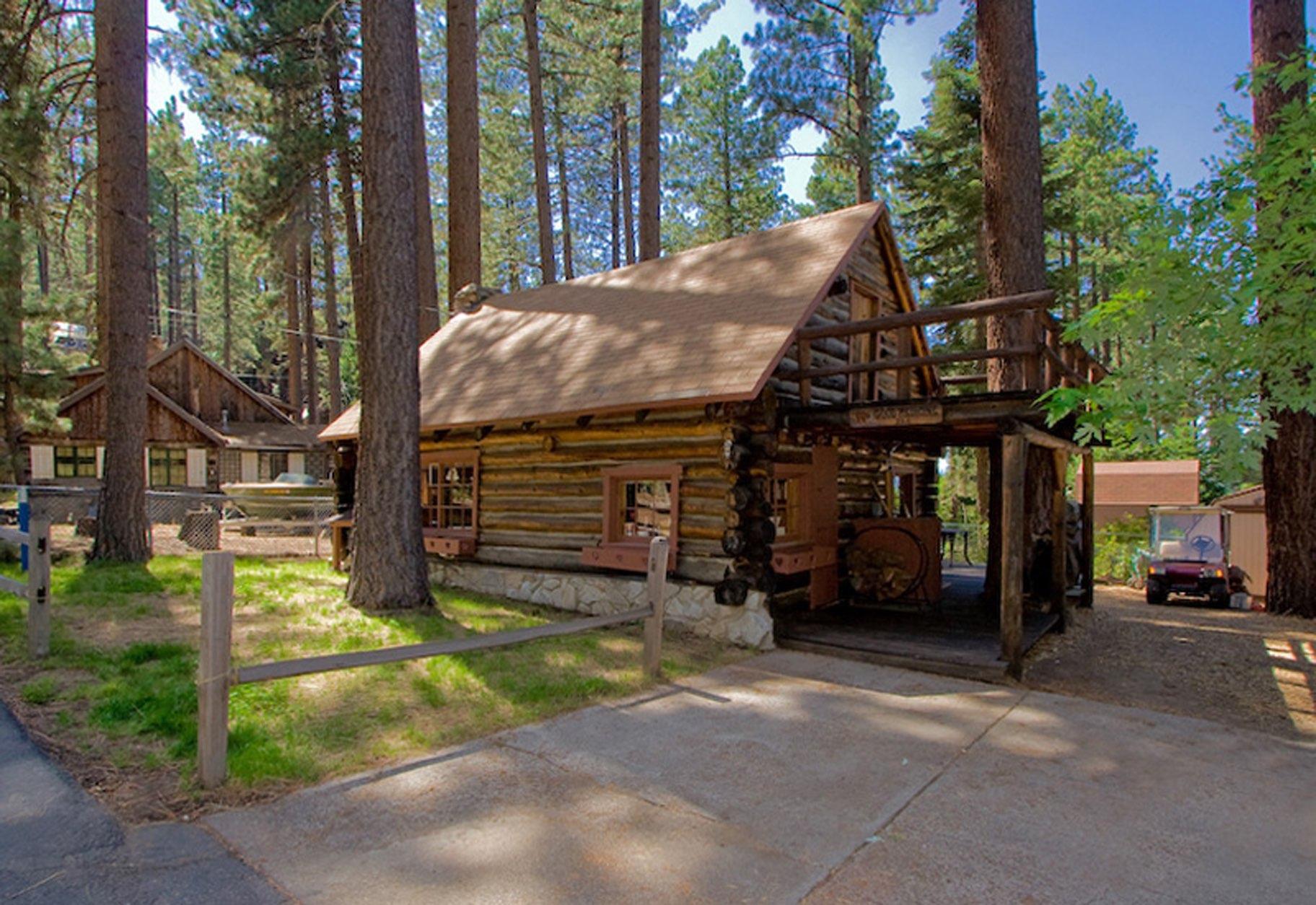 Genial Lake Tahoe Log Cabin