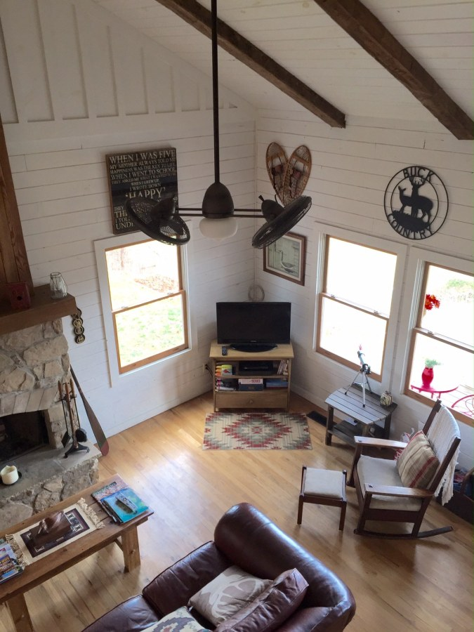 This recently renovated farmhouse in the Great Smoky Mountains has two bedrooms in 1,000 sq ft. | www.facebook.com/SmallHouseBliss