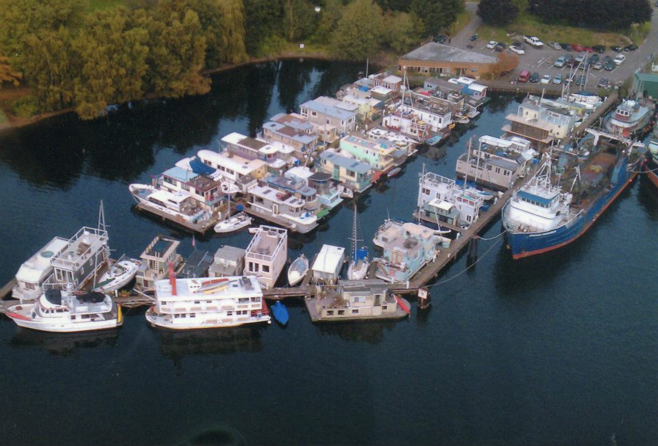 Tao, a tiny houseboat on Lake Union | Small House Bliss