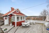 This cozy 1930 cottage is located in a small town on Sweden's coast. It has two bedrooms in 506 sq ft. | www.facebook.com/SmallHouseBliss