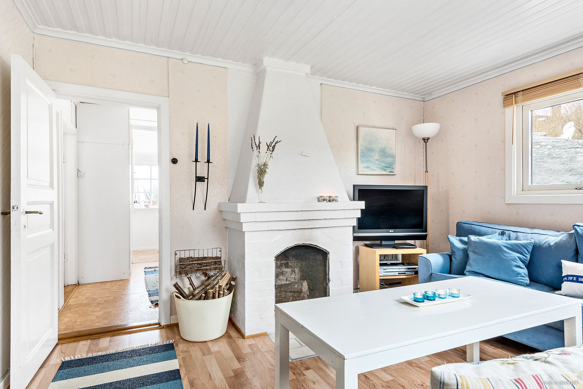 Cozy 1930 cottage overlooking the sea in Sweden | Small House Bliss