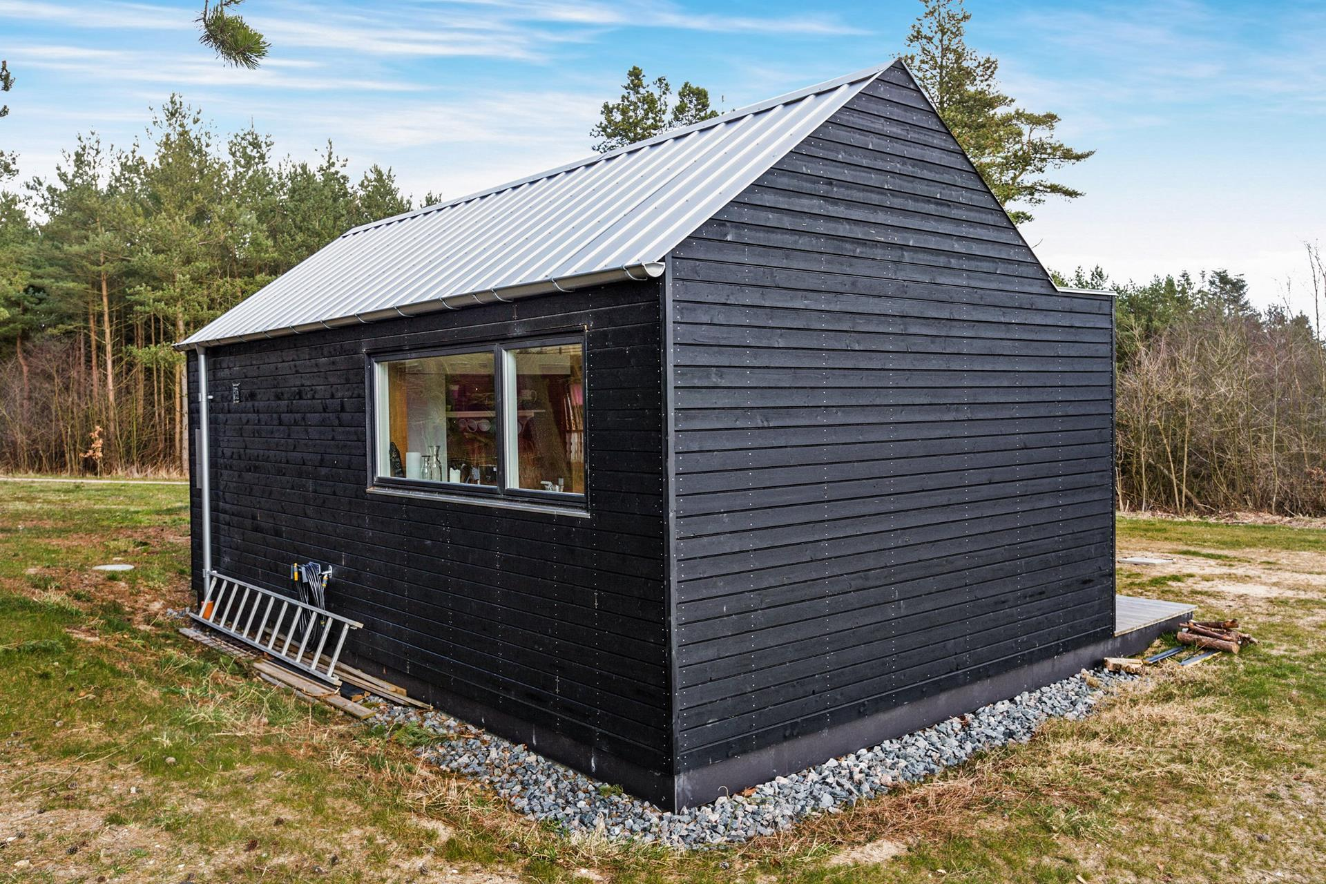 Gallery scandinavian modern tiny house simon steffensen for The new small house
