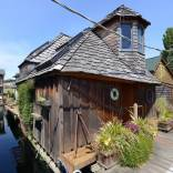 The Hobbit Houseboat, an eclectic two-bedroom float home on Seattle's Lake Union.   www.facebook.com/SmallHouseBliss