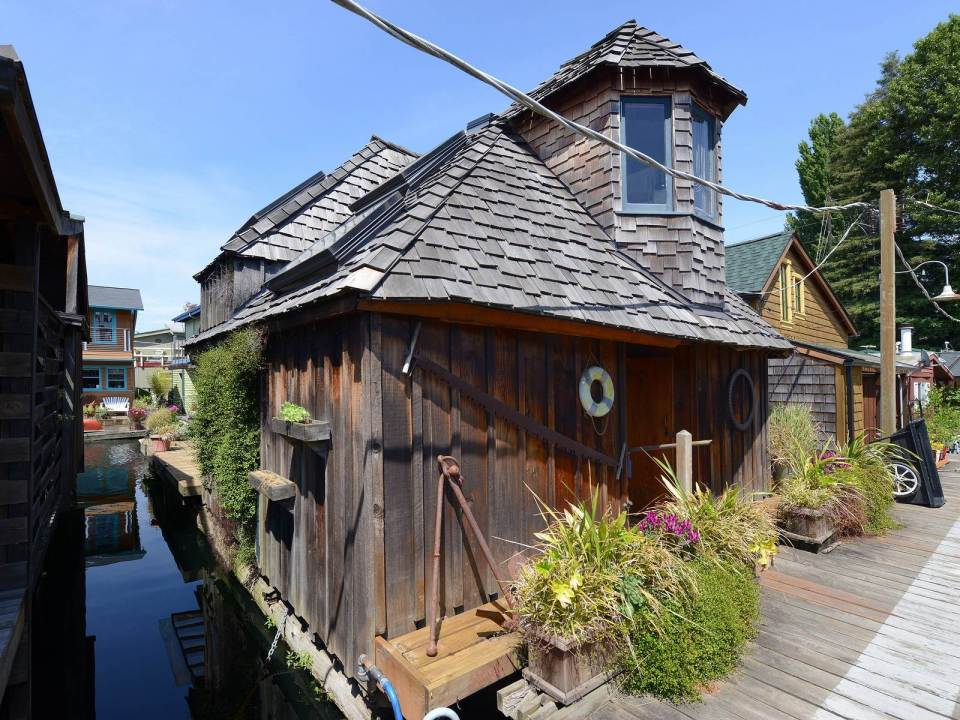 The Hobbit Houseboat, an eclectic two-bedroom float home on Seattle's Lake Union. | www.facebook.com/SmallHouseBliss