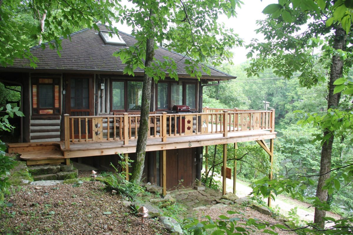 The Perch a historic log cabin in the Ozarks Small House Bliss