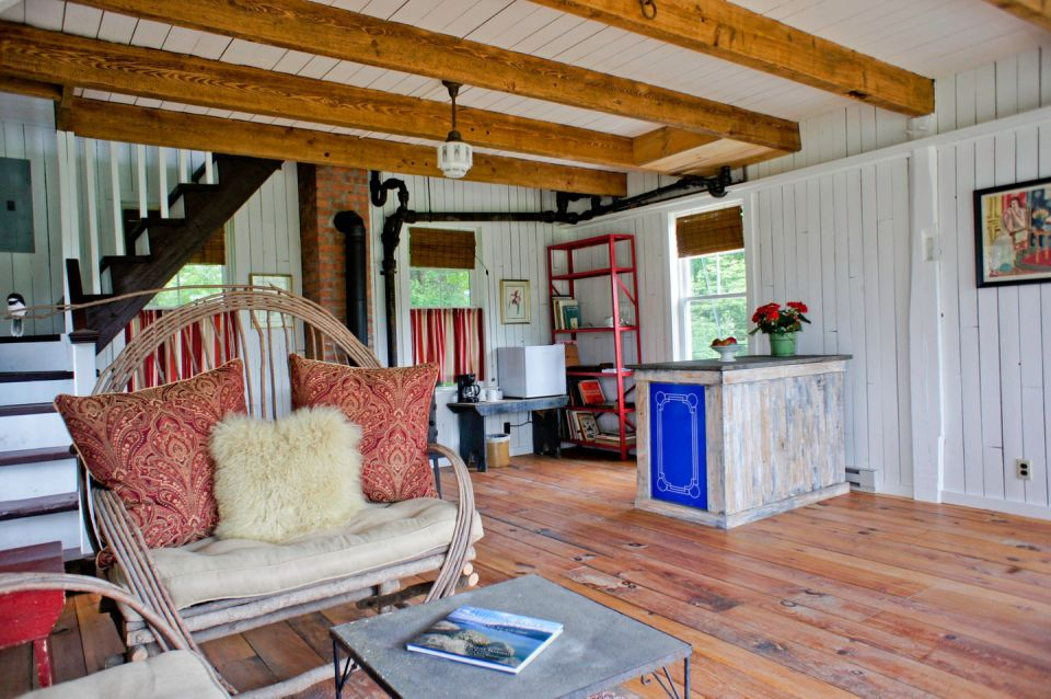 Gallery: A small barn house in Woodstock | Small House Bliss