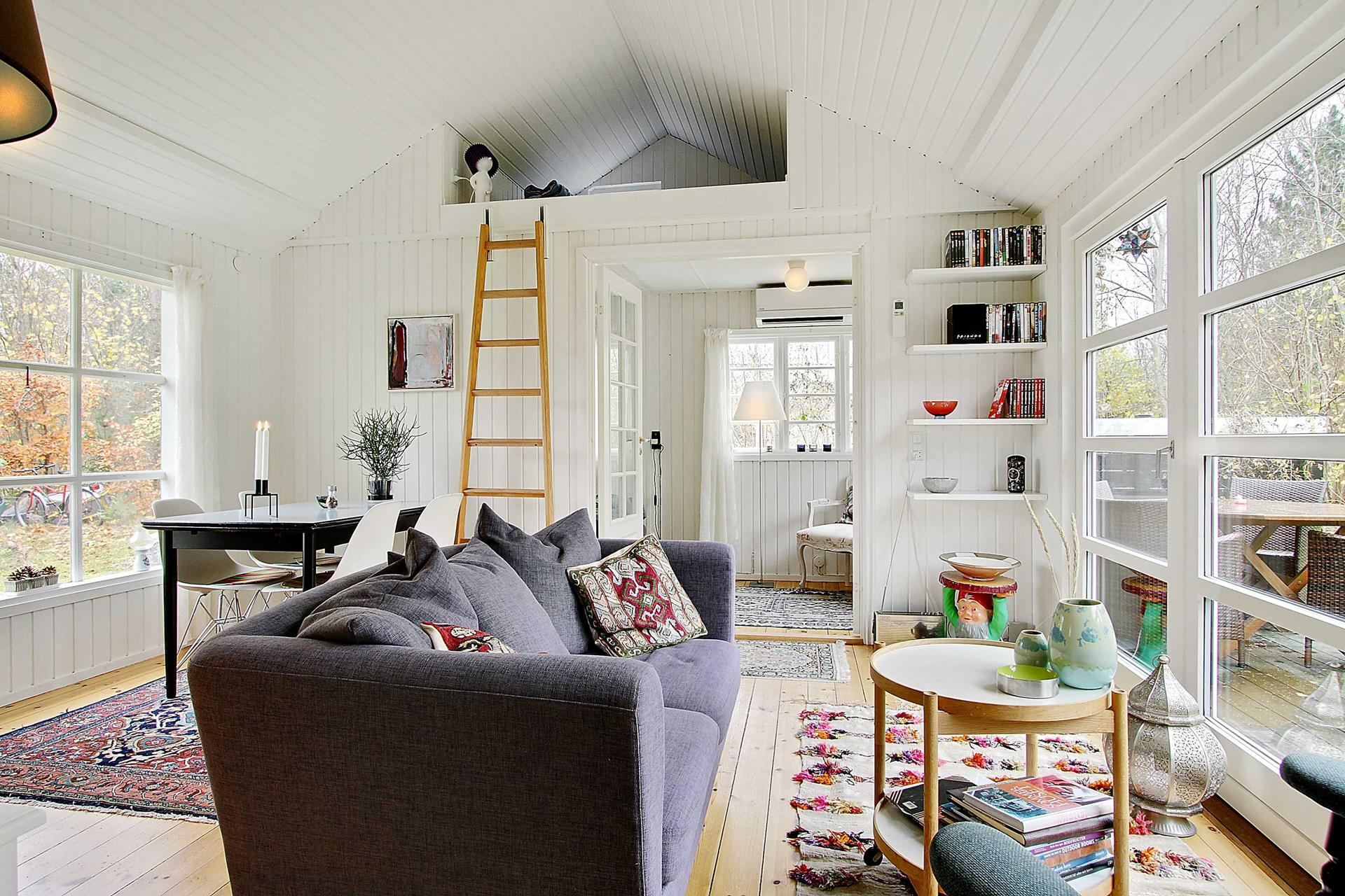 Gallery: Black and white Danish summerhouse | Small House Bliss