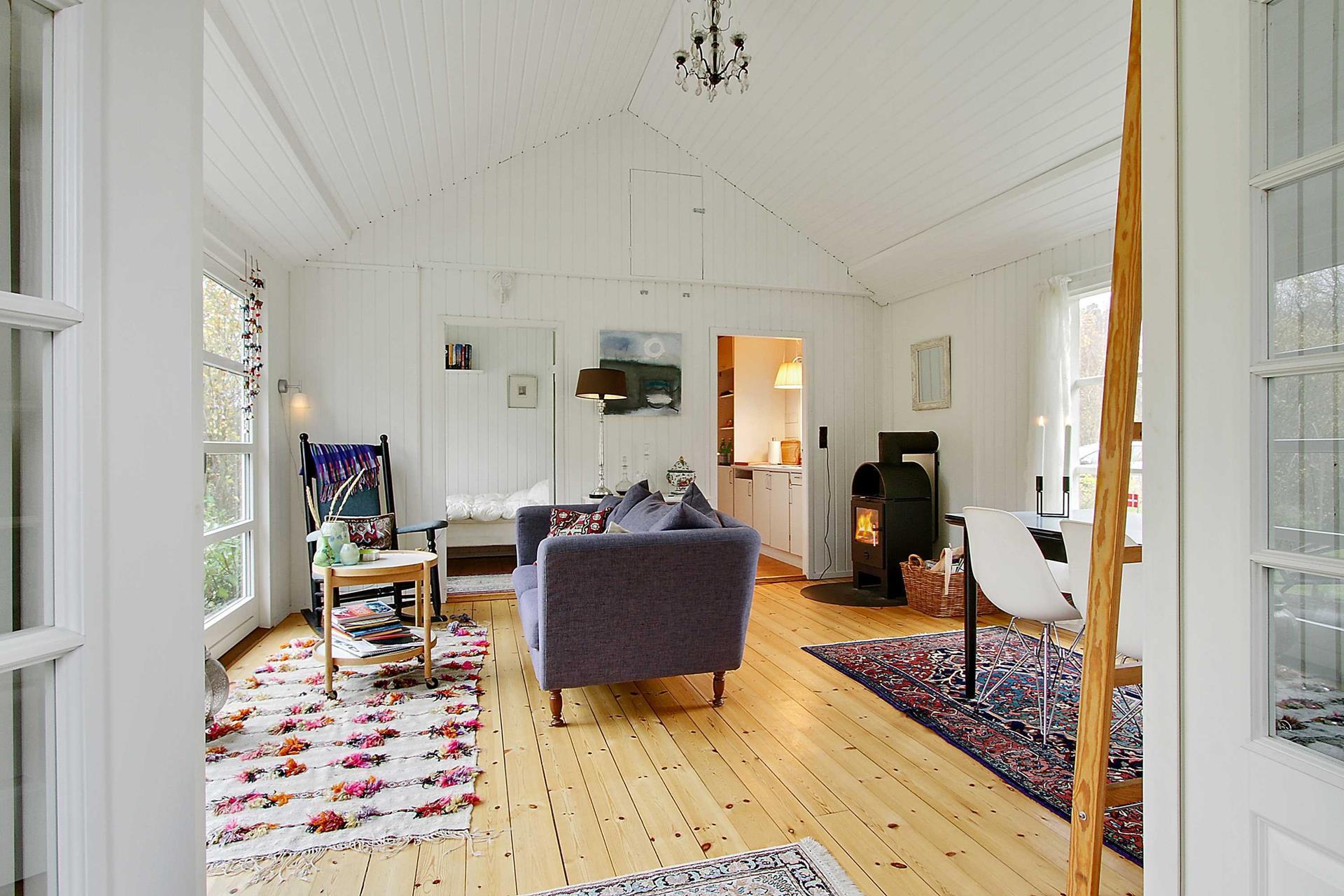 Gallery black and white danish summerhouse