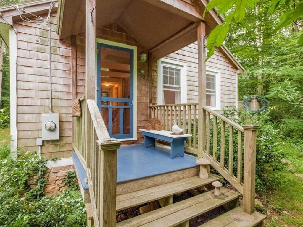 Tiny Connecticut Cottage